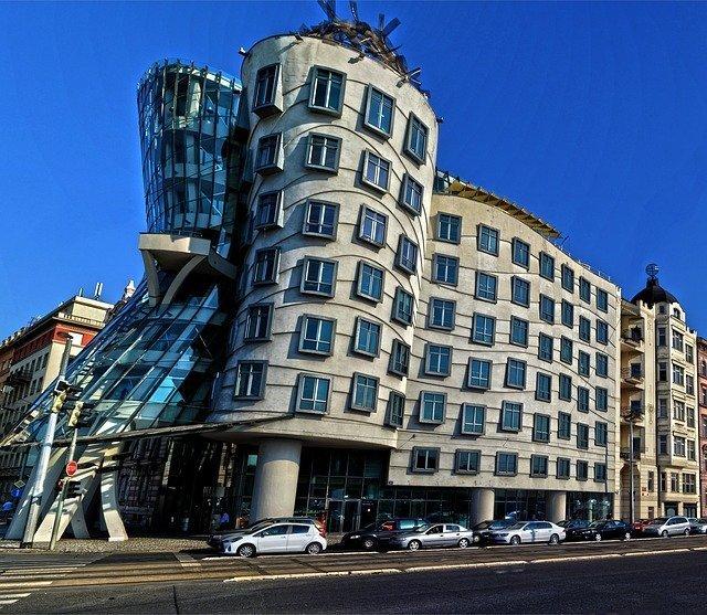 la casa danzante è una delle cose più insolite da vedere gratis a Praga