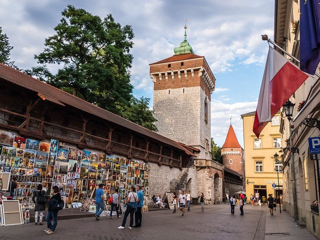La porta di San Floriano e le fortificazioni medievali sono alcene tra le cose più interessanti da vedere gratis a Cracovia