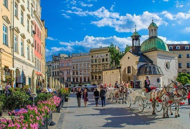 piazza centrale, il fulcro della strada reale nel centro storico di Cracovia