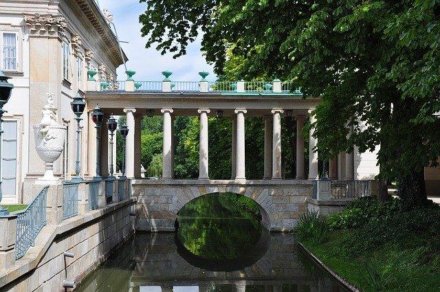 visitare il parco Royal Lazienki è una delle cose più belle da fare gratis a Varsavia