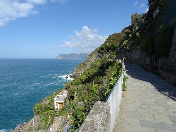 sentiero panoramico di Riomaggiore percorribile usando la Cinque Terre Card