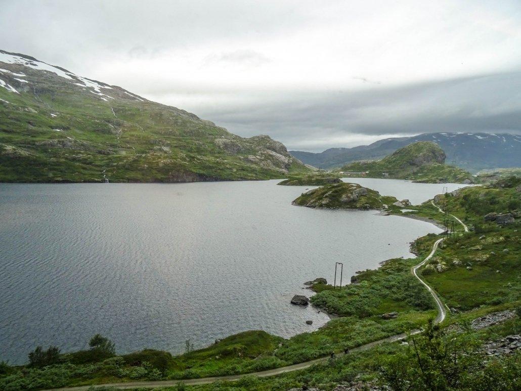 Treno Oslo-Bergen: informazioni pratiche, prezzi e biglietti per viaggiare sulla ferrovia più spettacolare della Norvegia