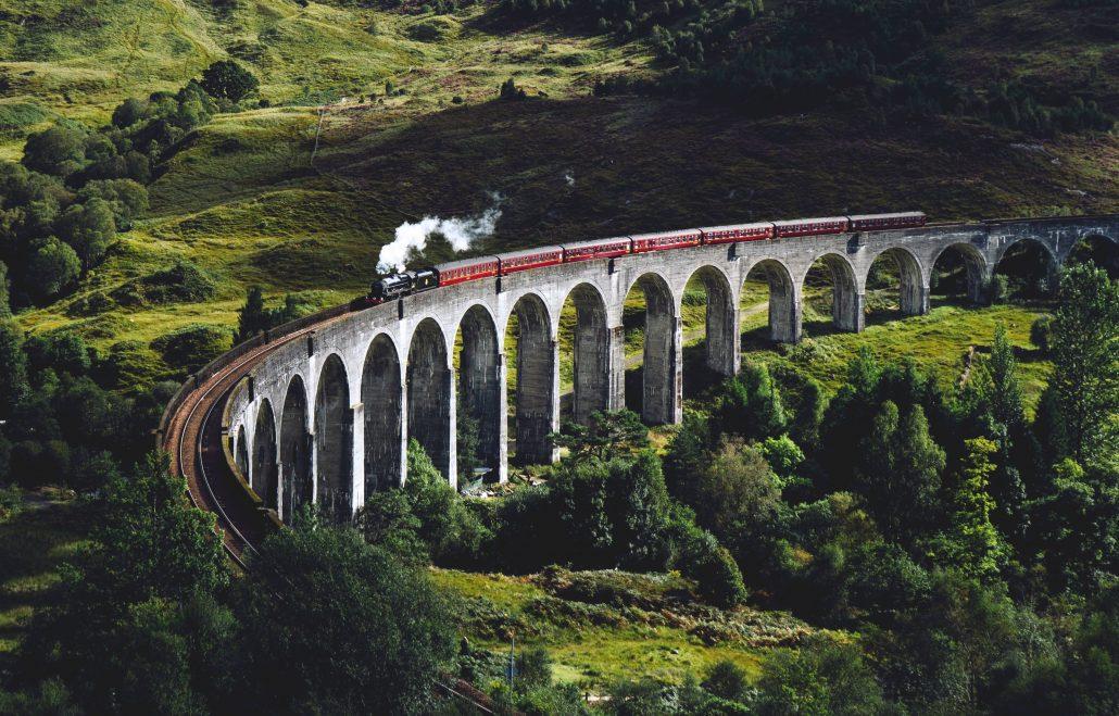 Viaggi in treno panoramici in Europa e nel mondo: la West Highland Line