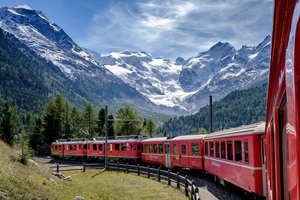 Viaggi in treno panoramici in Europa e nel mondo: il Glacier Express